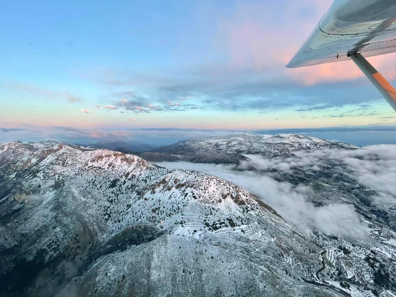 Las sierras de Mariola, Serrella y Aitana vuelven a vestirse de blanco para despedir al invierno