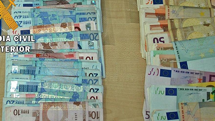 Incautados en Mombuey casi 30.000 euros a un extranjero que iba hacia Portugal