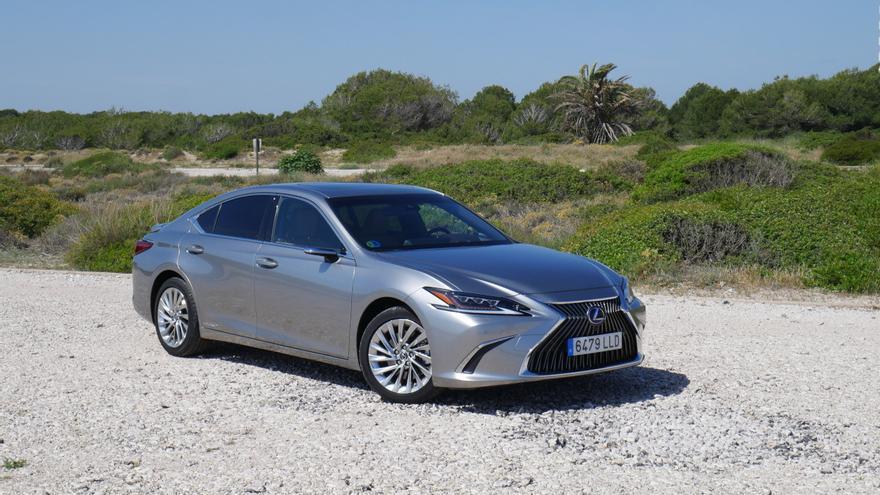El nuevo Lexus ES 300h es mucho más de lo que nos esperábamos