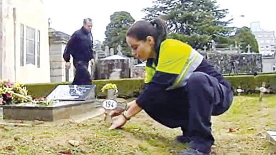 """Conchi Cousiño: """"La muerte es algo tabú, si digo arqueóloga suena mejor"""""""
