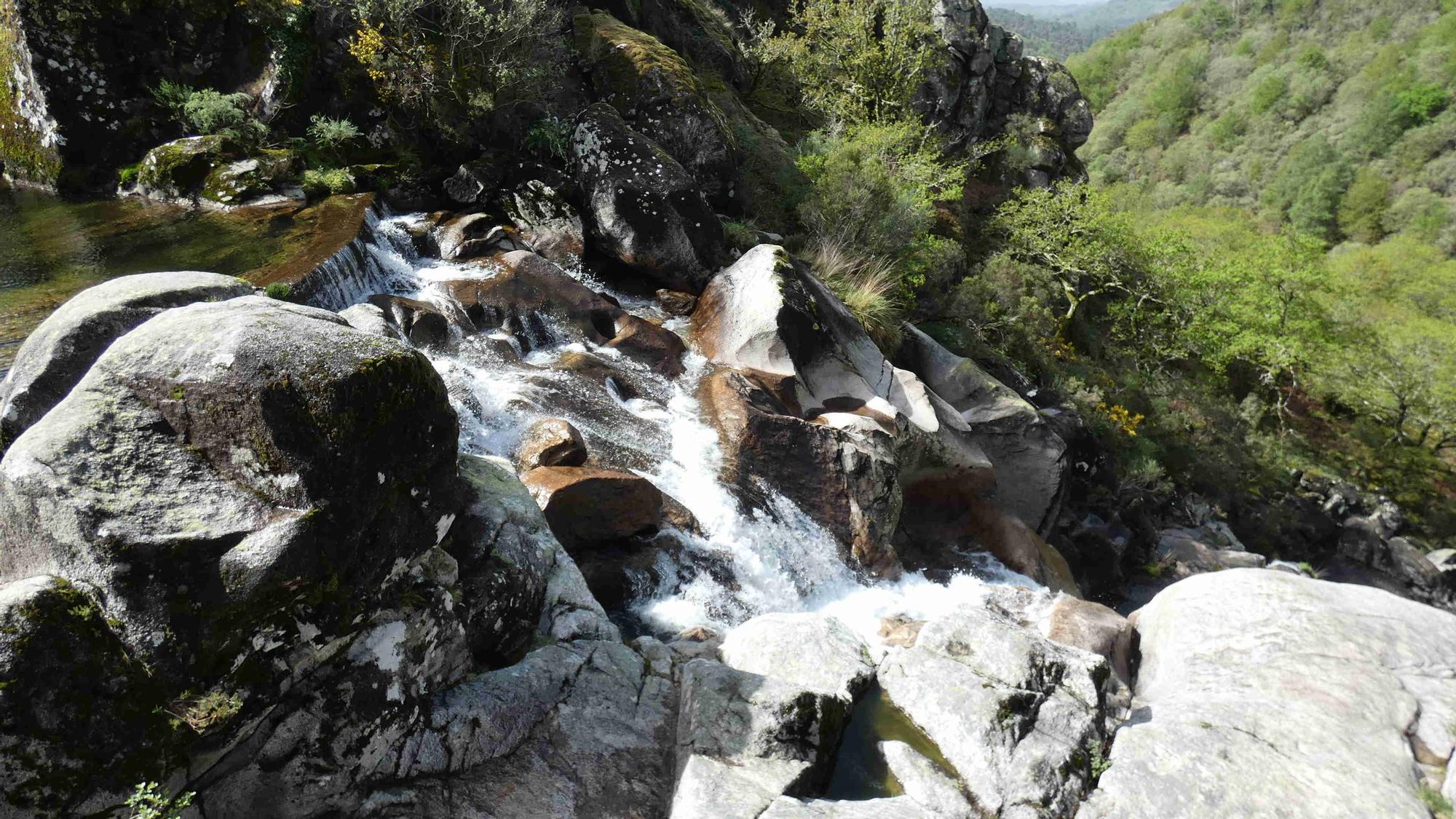 """La cascada de Liñares: el """"salto del ángel"""" de las tierras altas de Pontevedra"""