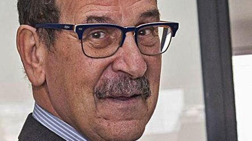 Emilio Casares inaugura el nuevo curso de la Cátedra Emilio Alarcos