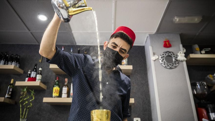 Dos jóvenes refugiados sirios montan un restaurante en Zaragoza