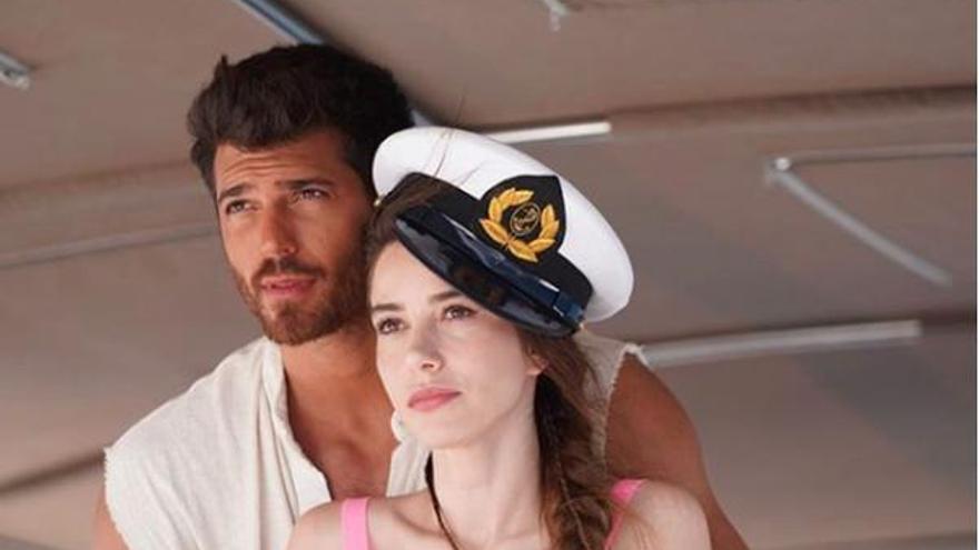 El gesto que ha enamorado (aún más) a las fans españolas de Can Yaman, el protagonista de Erkenci Kus