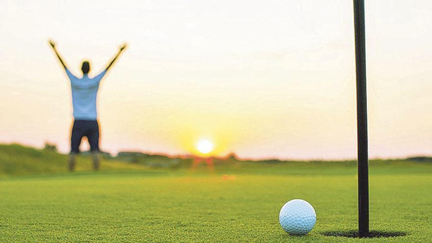 Gaudir del golf amb amics