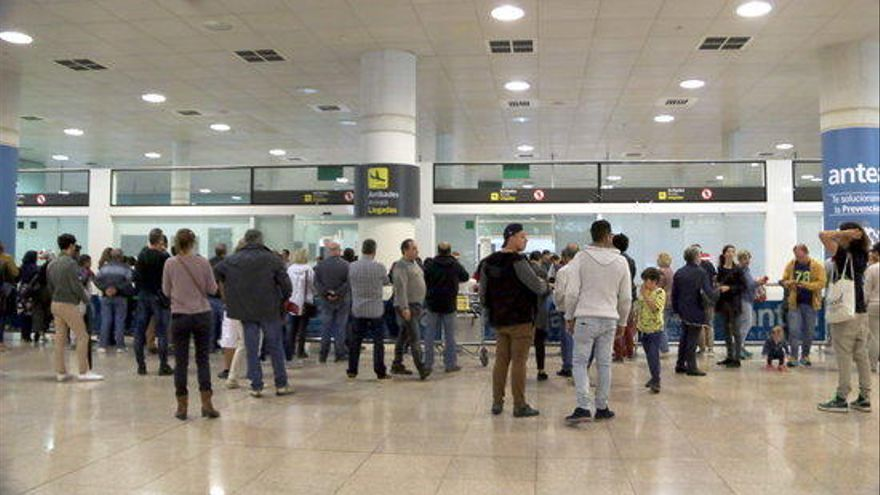 Els tripulants de cabina de Finnair al Prat desconvoquen la vaga prevista per als propers dos caps de setmana