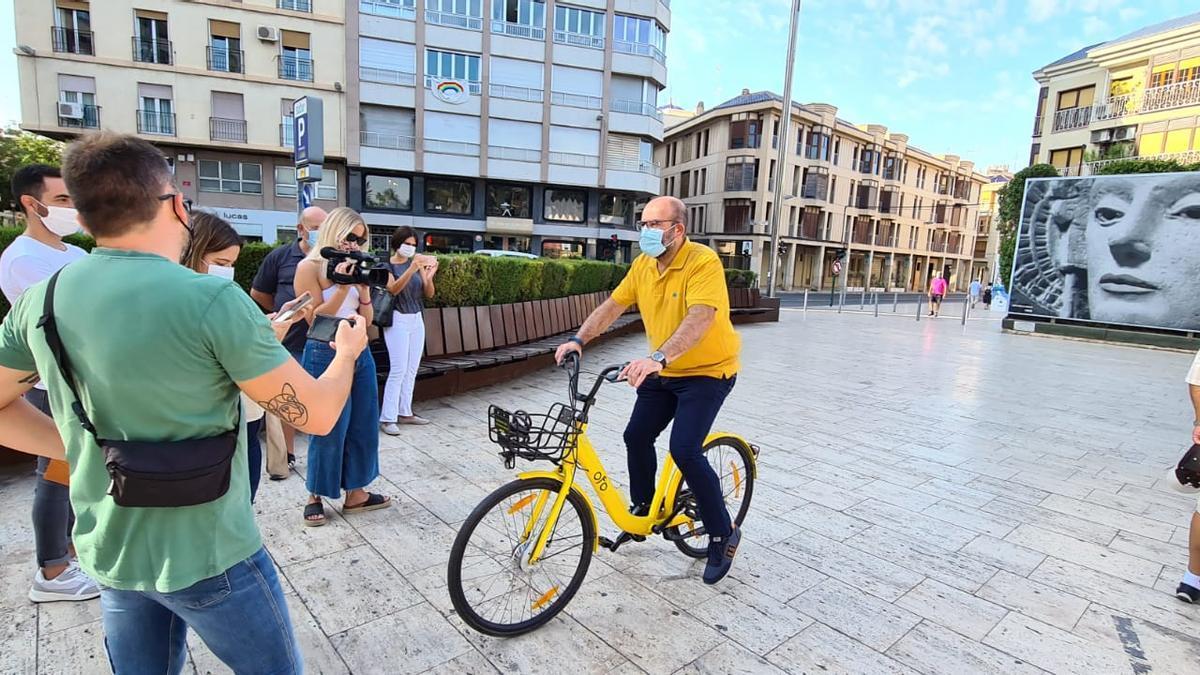 Miembros del equipo de gobierno presentando la Semana de la Movilidad en Elche