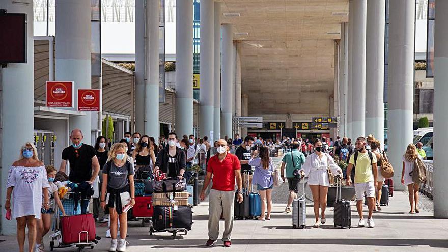 Baleares recibe en julio 874.864 pasajeros en vuelos de bajo coste, un 118% más que en 2020