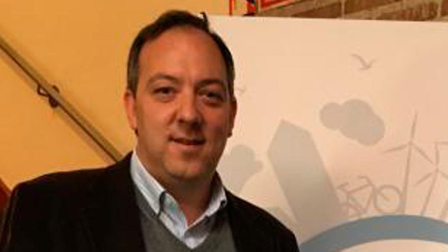 El Alcalde de Villaviciosa incumplió la hora límite de un local tras esperar una ambulancia