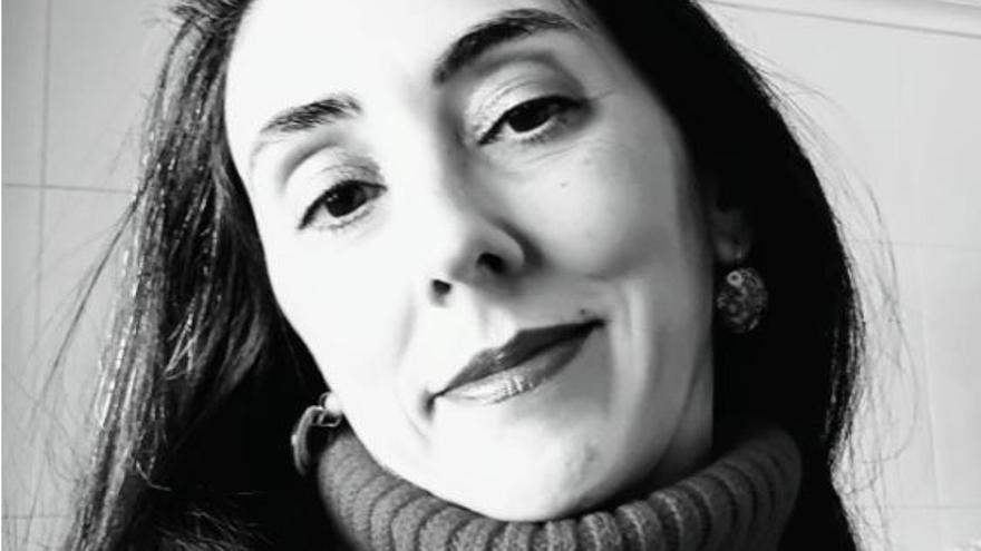 """Noelia Vicente presenta su libro """"Cuatro por cuatro"""" en Alicante"""