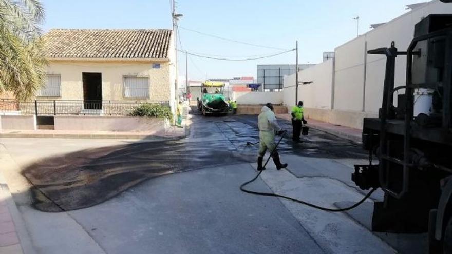El Ayuntamiento de Cartagena continúa con la 'operación asfalto' en barrios y diputaciones