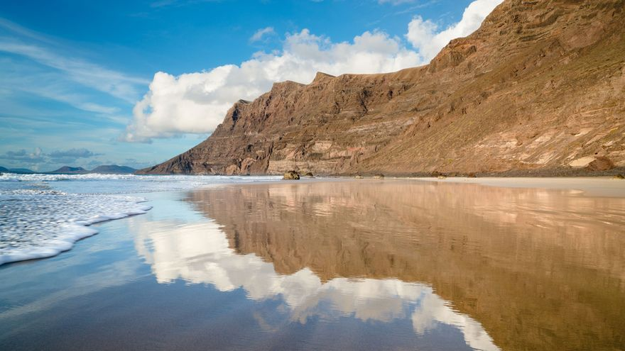 Cinco postales de Lanzarote para descubrir su eterna primavera