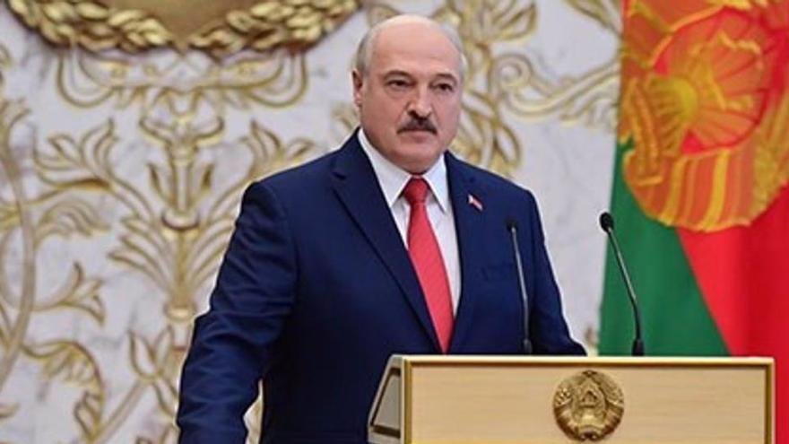 La UE da luz verde a las sanciones contra Lukashenko