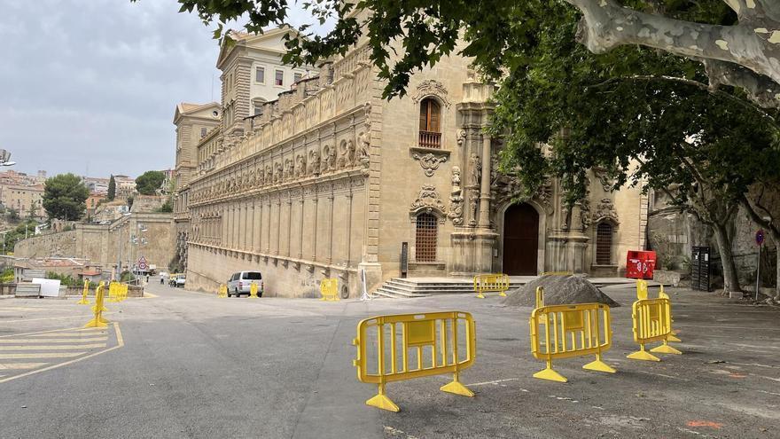 L'Ajuntament restringirà l'accés de vehicles a la Cova,  on en suprimirà els aparcaments