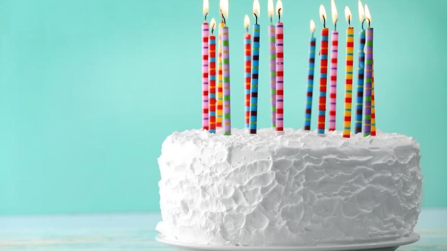 🤯 🧁 ¡Mucho cuidado! Comerte una tarta con velas supone un gran riesgo para tu salud por sus bacterias