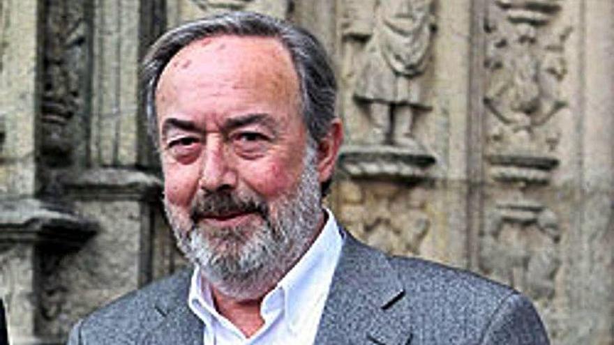 Alfredo Nóvoa y su labor en el Concello de Oleiros