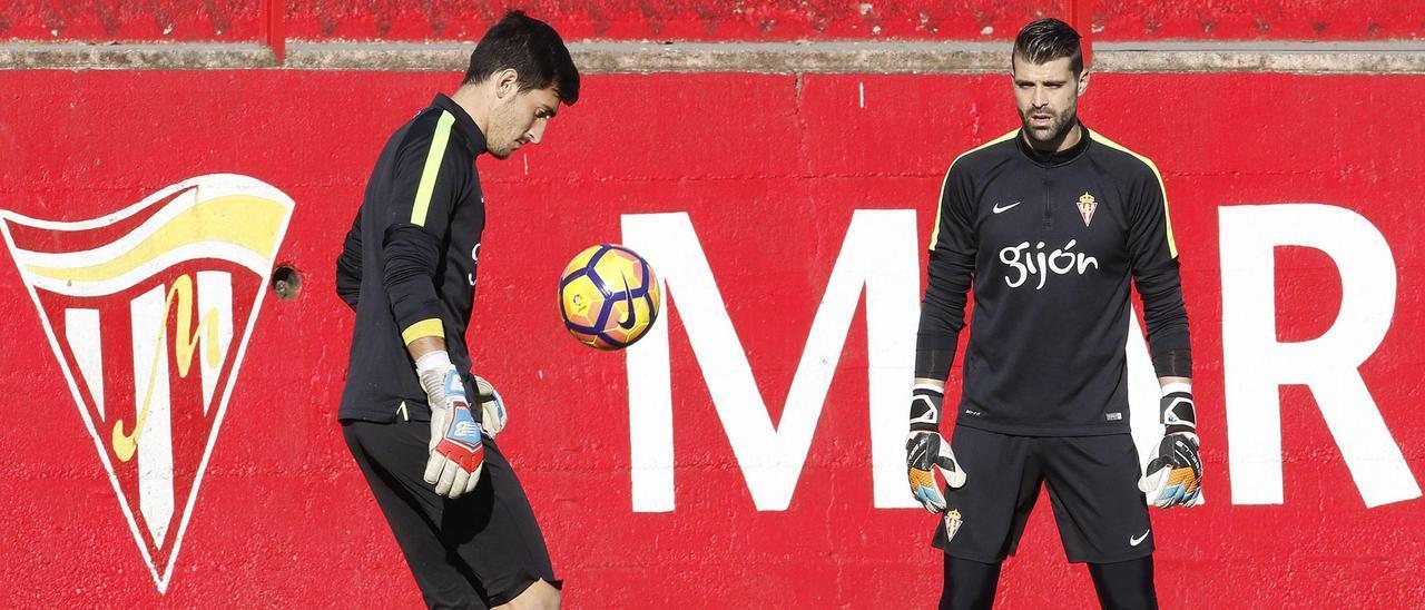 Mariño y Cuéllar, en un entrenamiento con el Sporting