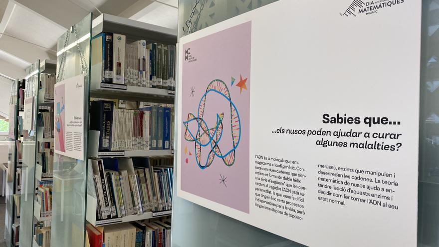 Curiositats matemàtiques en una mostra a la biblioteca del campus de Manresa
