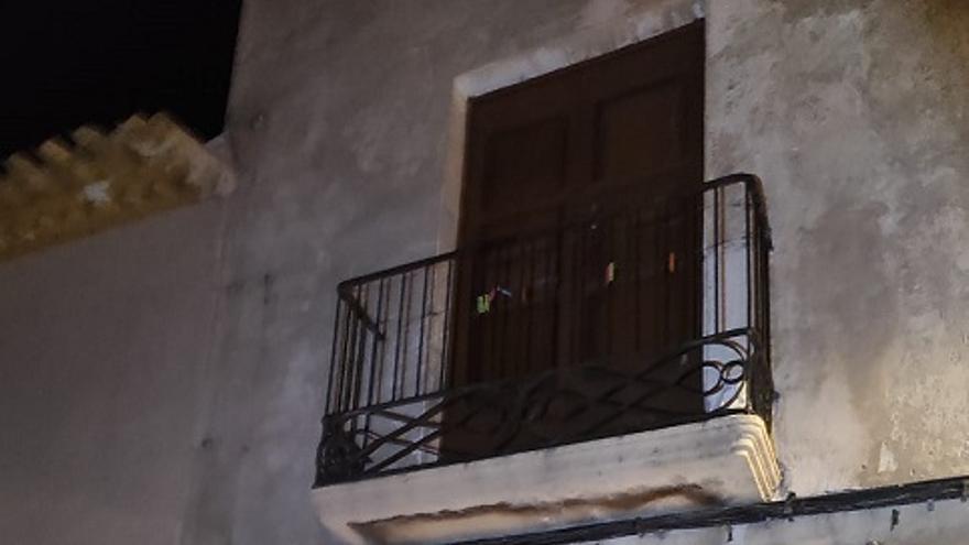 Accede a su habitación tras colarse por el balcón en Lorca