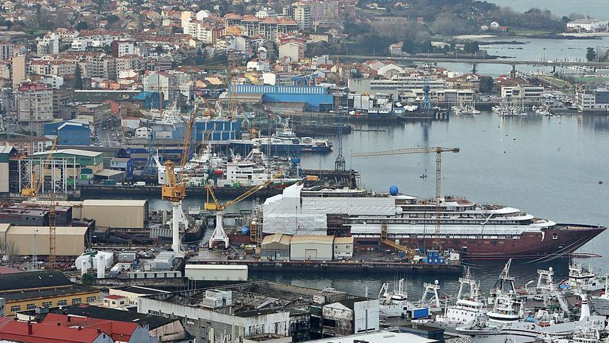 El naval lanza un plan para ganar competitividad y crear 1.700 empleos en seis años