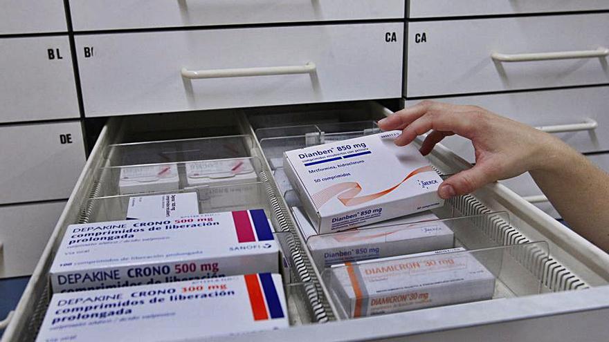Visitadors mèdics exigeixen poder tornar a entrar als centres sanitaris