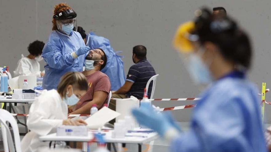 El covid deja otros dos fallecidos en Córdoba en la última jornada, pero solo 24 contagios