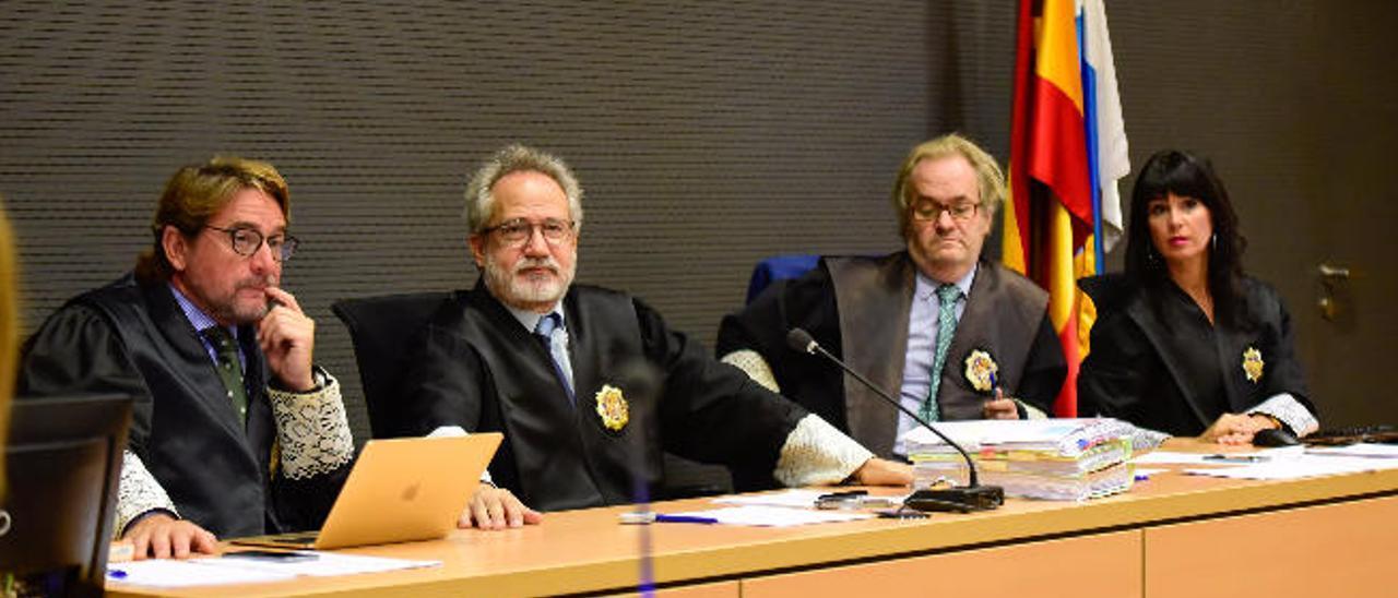 Vielba admite ante el CGPJ que llamó mafiosos a los rusos con tono humorístico