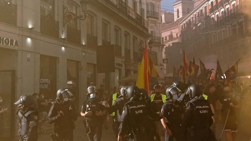 Grupos neonazis cargan contra una manifestación LGTBIQ+ en Madrid