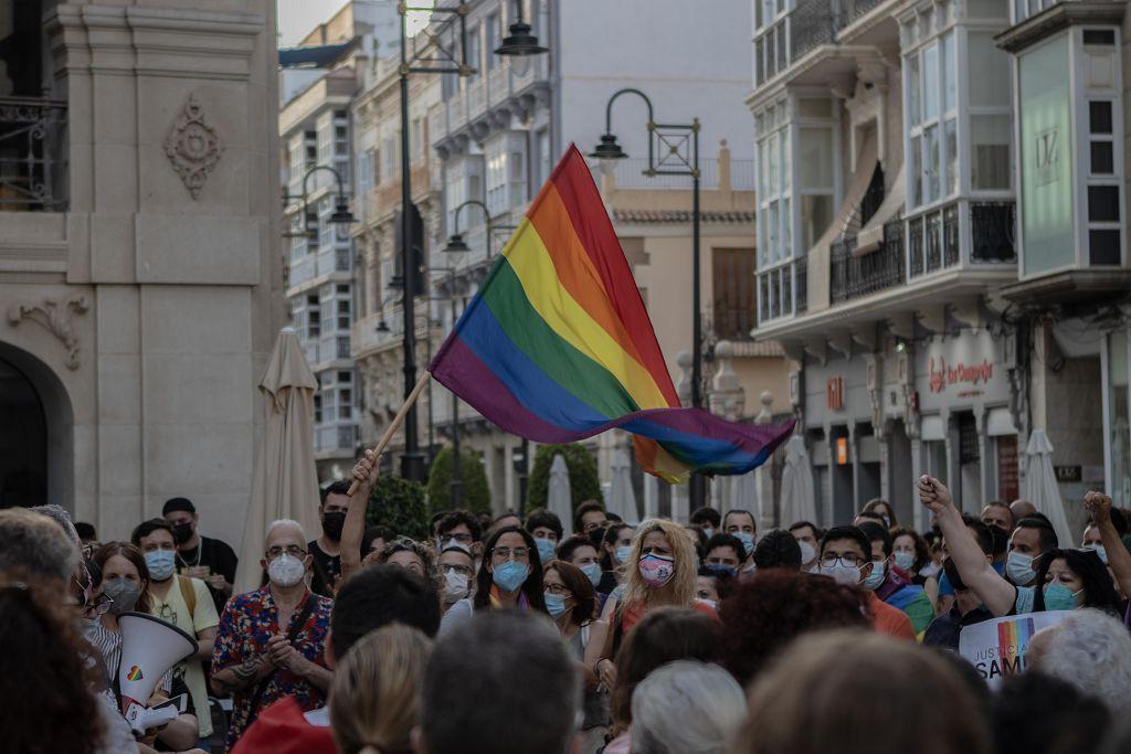 Concentración en Cartagena para pedir justicia por el asesinato homófobo cometido en Galicia