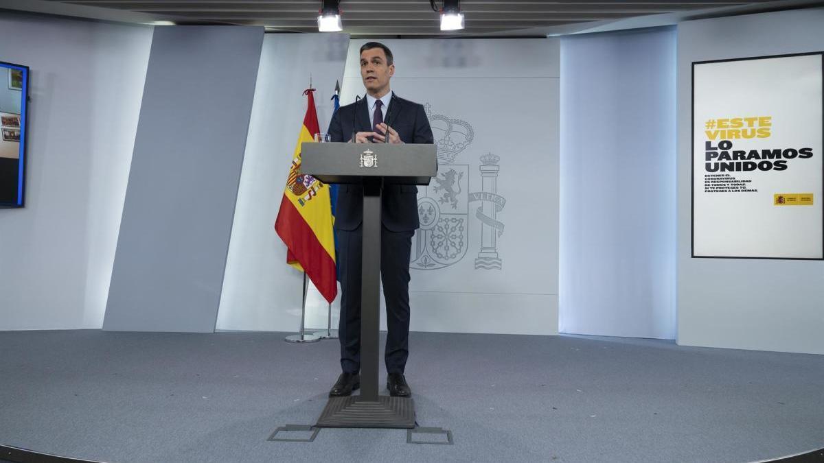 El president del Govern, Pedro Sánchez, compareixent en el Palau de la Moncloa.