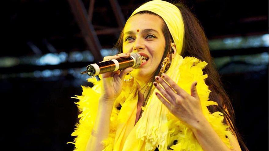 Marinah, la excantante de Ojos de Brujo, actúa en Ibiza