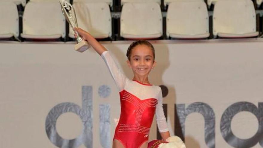 Medalla de oro para Lourdes Santiago Bello