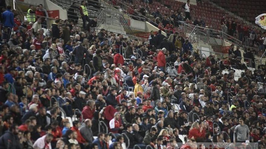 El Murcia sella su pasaporte para la Copa del Rey