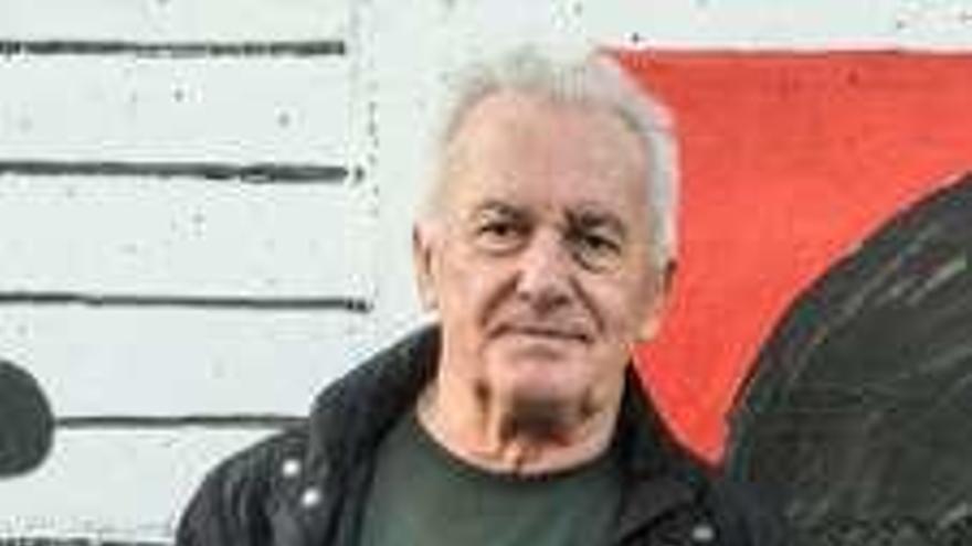 """Víctor Manuel: """"Los himnos y las banderas huelen a alcanfor; un olor a otro tiempo"""""""