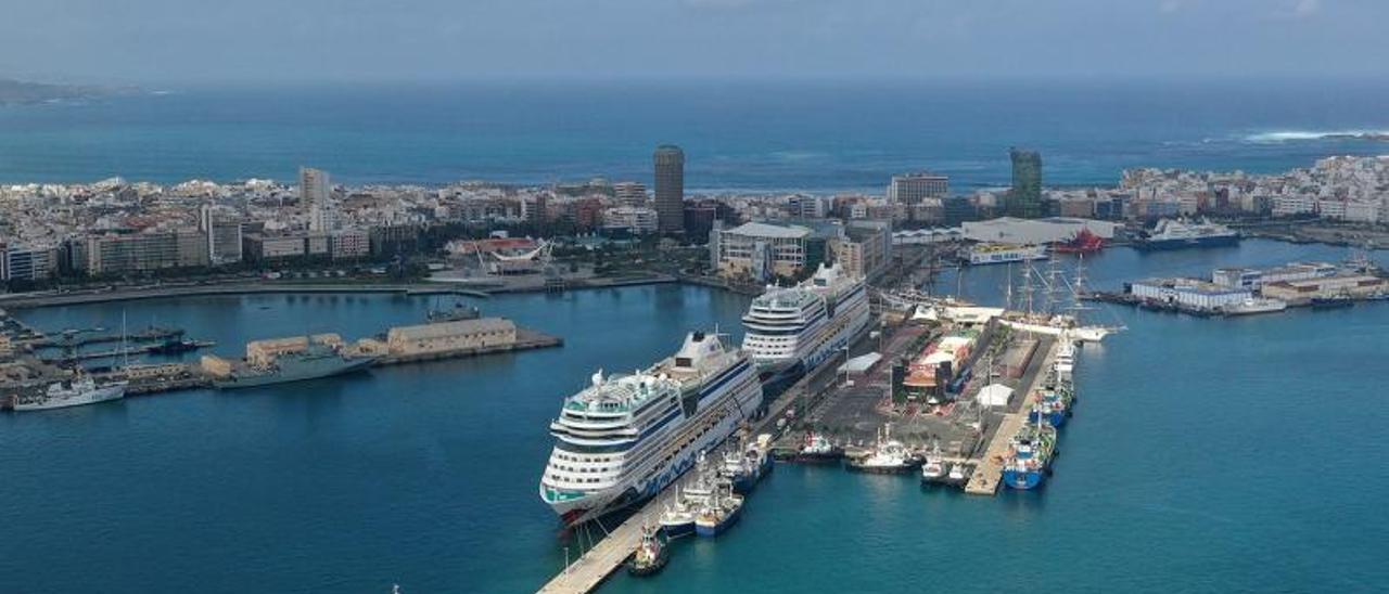 Cruceros de la naviera AIDA atracados en el muelle Santa Catalina del Puerto de Las Palmas en 2020. | | LP/DLP