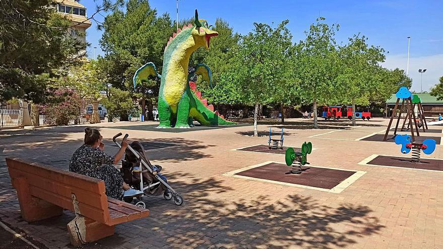 La reforma en Torrevieja  de 78 parques infantiles tendrá que esperar