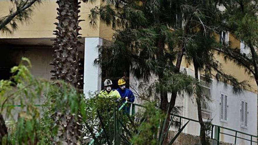 El incendio en un edificio de Gran Canaria deja a 47 familias sin casa varios meses