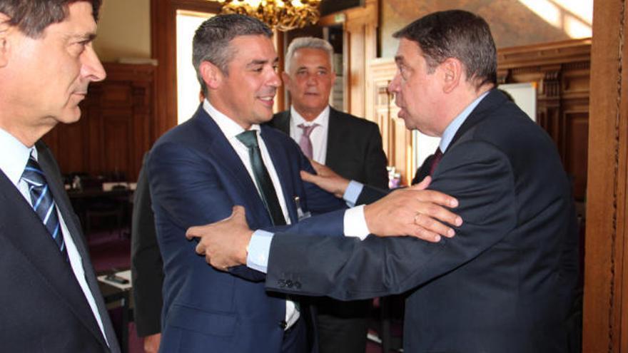 Francia, Portugal y España rechazan los posibles recortes de ayudas a la agricultura