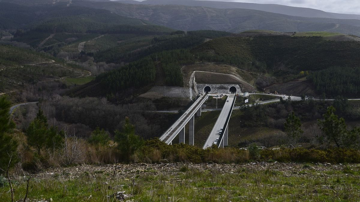 Works on the Pedralba - Ourense section, the last to enter service, in a 2020 image.