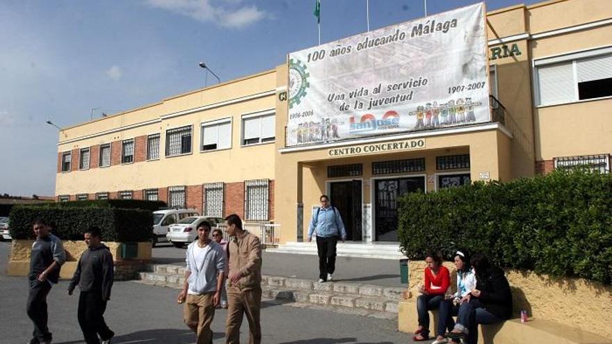 Habilitan 700 aparcamientos gratuitos para sanitarios en el Colegio San José