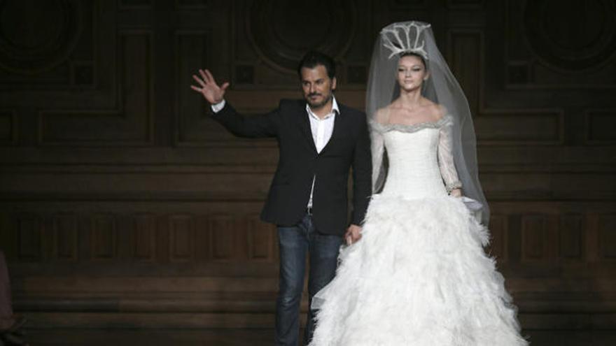 París deslumbra con Chanel, Armani, Lins y Carvallo