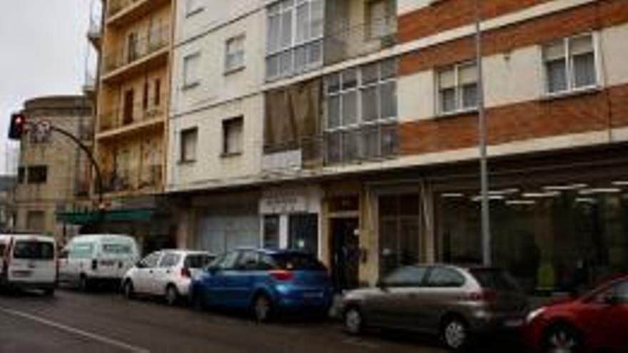 Mor una nena de set anys en precipitar-se des d'un quart pis a Zamora