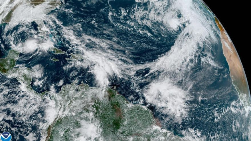 'Theta' coge fuerzas y está a las puertas de convertirse en huracán