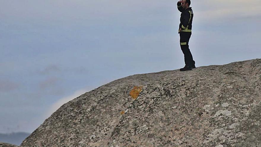Rescatan a una mujer que se había caído en las rocas de Virxe das Mareas