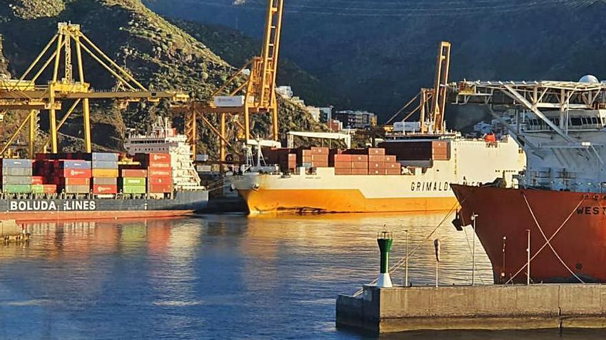 El Puerto de Santa Cruz recibe una inversión para obras de 27,5 millones hasta 2025