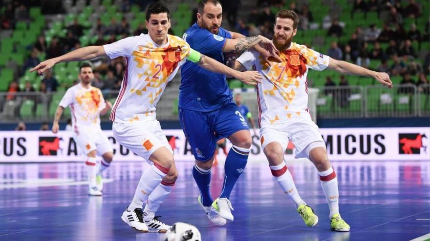 España sufre ante Azerbaiyán, evita a Portugal y se cita con Ucrania