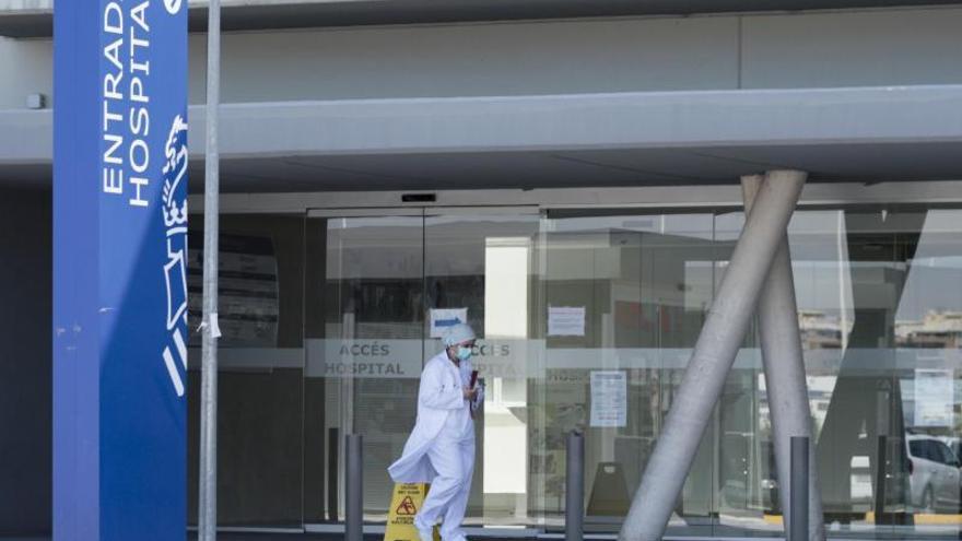 Los ingresos por covid vuelven a la UCI del hospital de Gandia con menores de 45 años
