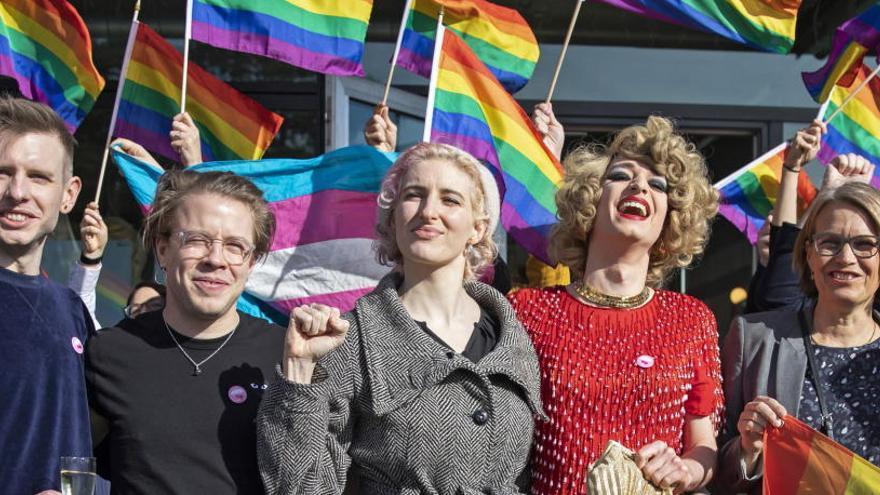 Suiza aprueba en un referéndum sancionar la homofobia como el racismo