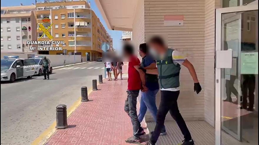 Detenido por apuñalar a un hombre con un cúter en el cuello en Torrevieja