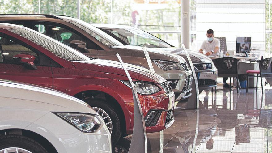 La caída de la fabricación de vehículos desabastece los concesionarios isleños